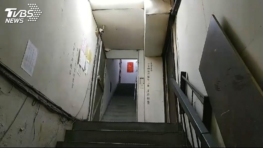 圖/TVBS資料照 被虐到失禁!惡煞嗆「自己站」 他踩到一灘慘摔死