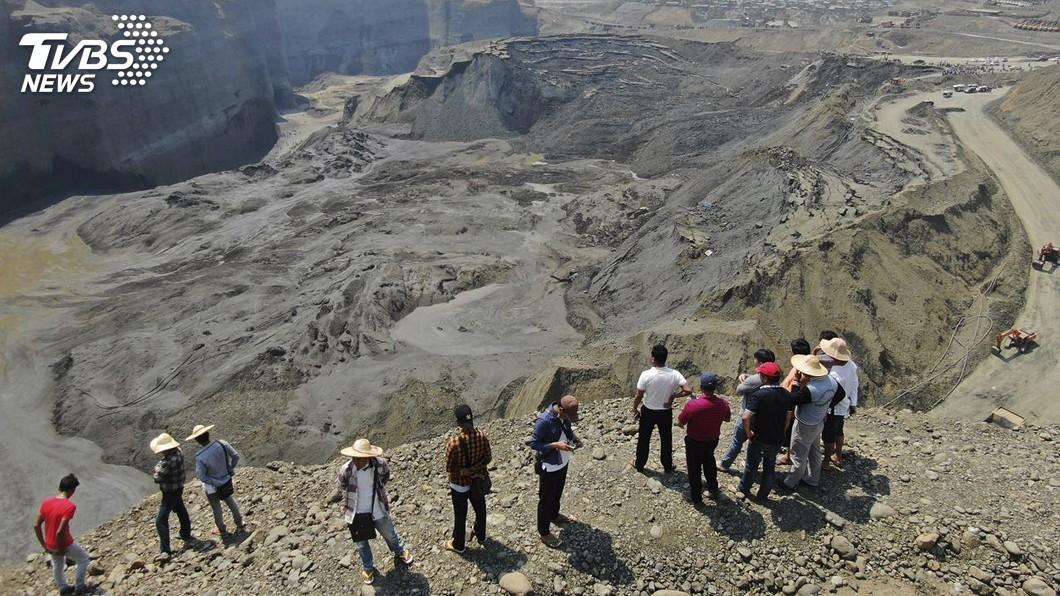 圖/達志影像美聯社 緬甸玉礦土石崩塌活埋54人 至今僅尋獲3具遺體