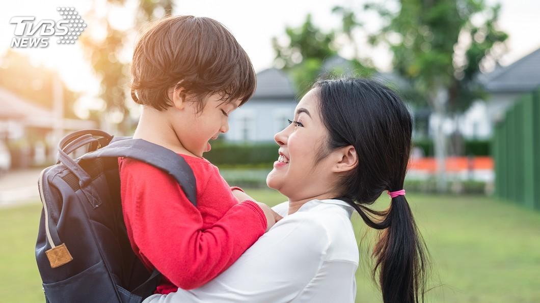 示意圖/TVBS 長大不能哭、不要抱 你的教養觀念也被制約了嗎?