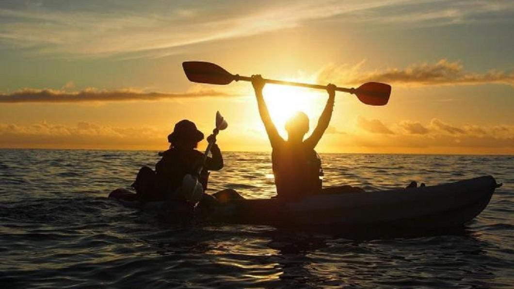 日出水上活動推薦-東河獨木舟。(圖/Tripbaa趣吧!亞洲自由行專家)