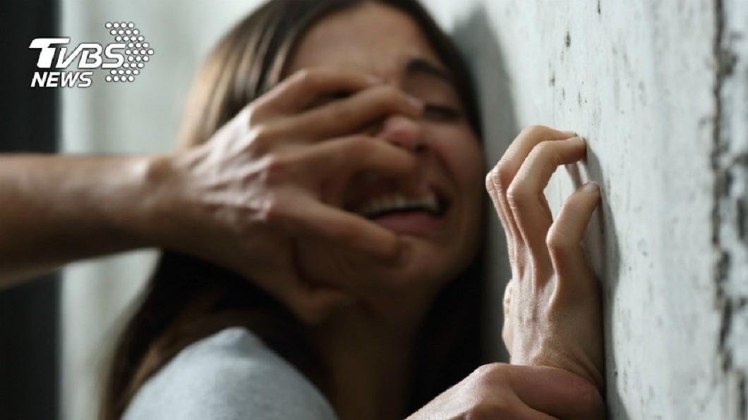 示意圖/TVBS 逼友吞藥還性侵她2次 噁男隔天突離奇暴斃
