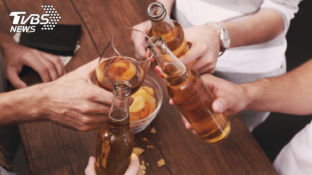 示意圖/TVBS 老師、護理師易飲酒過量? 恐與這個有關!