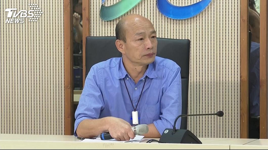 針對前立委蔡正元爆料,韓國瑜親上火線強調自己絕無收受企業家捐贈4千萬,如果有就辭掉市長職務。(圖/TVBS) 絕無收企業家4千萬 韓國瑜:有就辭市長、再抹黑就告