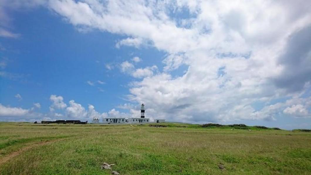 澎湖跳島-東吉嶼燈塔。(圖/Tripbaa趣吧!亞洲自由行專家)