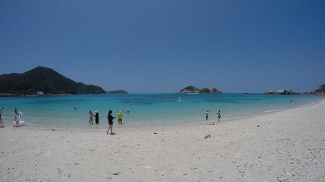 沖繩浮潛地點-阿波連海岸。(圖/Tripbaa趣吧!亞洲自由行專家)