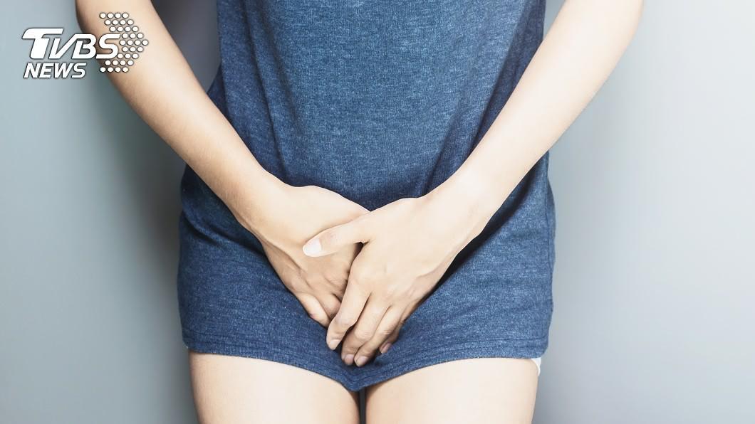一女患者小陰唇莫名腫脹,就診發現是罹患「巴氏腺囊腫」。示意圖/TVBS 常愛愛要小心!私密處腫成小饅頭 刀劃開「爆膿液」