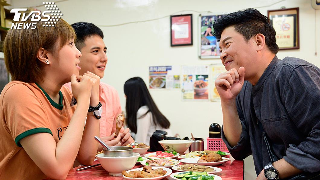 TVBS歡樂台《食尚玩家-歡樂有夠讚》主持人曾國城客串演出《女力報到》。圖/TVBS