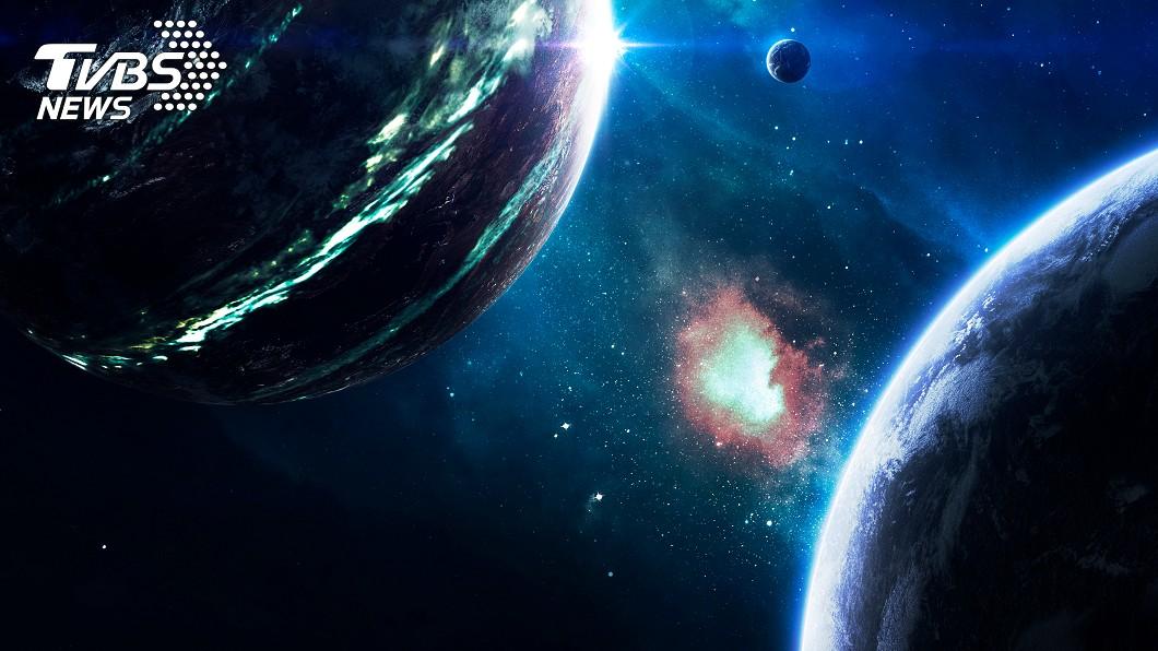 示意圖/TVBS 下「紅、藍寶石」雨!太空超級寶藏 這顆行星全是鑽