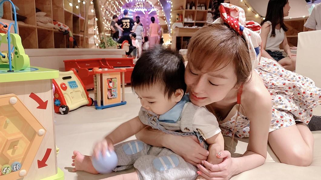 圖/翻攝自T妹臉書 第一次帶兒到親子餐廳竟被揍!網紅心碎嘆:他還這麼小…