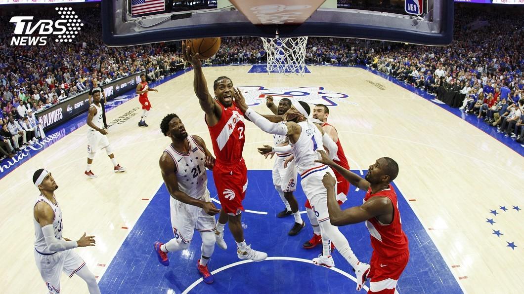 圖/達志影像美聯社 雷納德39分14籃板 暴龍季後賽扳平76人