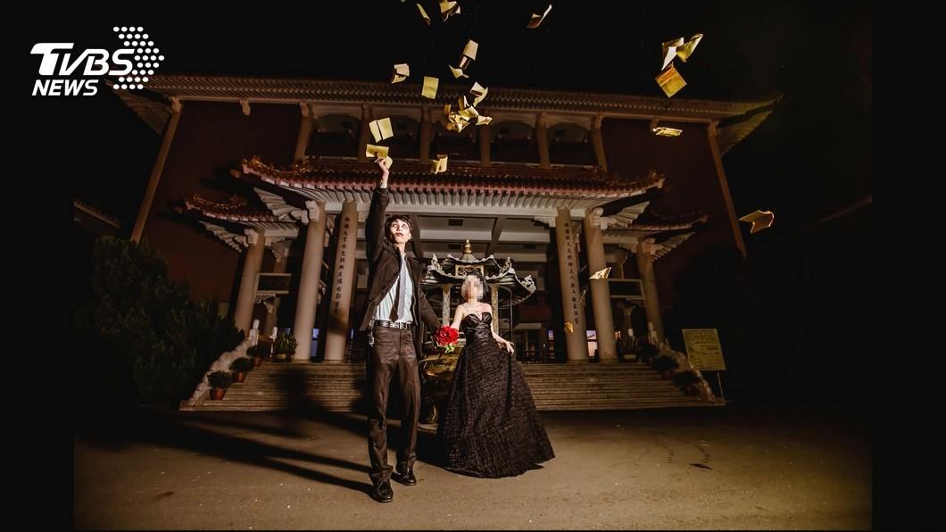 圖/TVBS 鬼魅婚紗影響婚姻? 再婚扮七爺、八爺入鏡