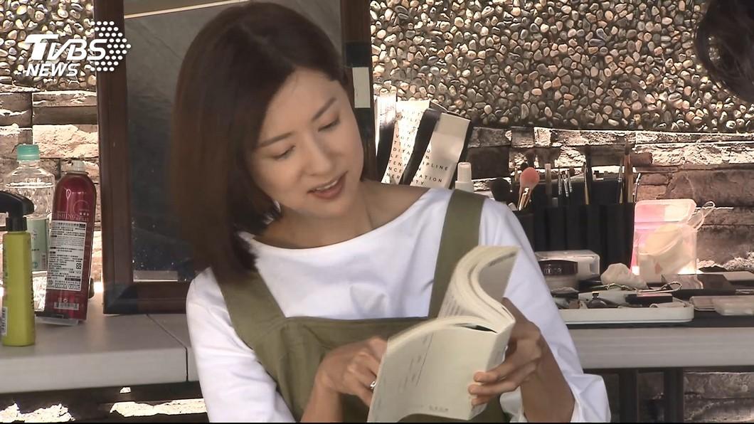 林予晞出道前曾當過4年的空服員,她認為雙方彼此對立是因爲不了解,要多做溝通。 圖/TVBS