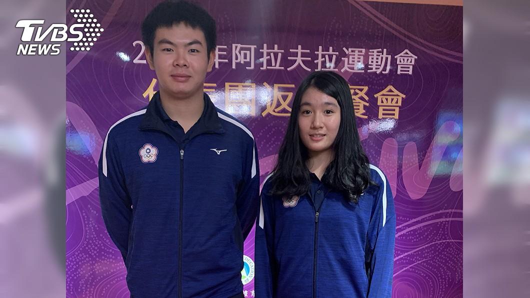中華桌球代表隊好手黃毓仁(左)、于修婷(右),分別在2019阿拉夫拉運動會男、女個人賽包辦金牌。圖/中央社 菜鳥桌球國手黃毓仁 首次出征阿拉夫拉就摘金