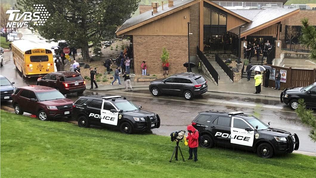 圖/達志影像美聯社 美科羅拉多學生闖校園向同學開槍 1死8傷