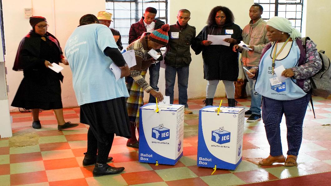 圖/達志影像美聯社 曼德拉難瞑目 南非總選舉種族對立