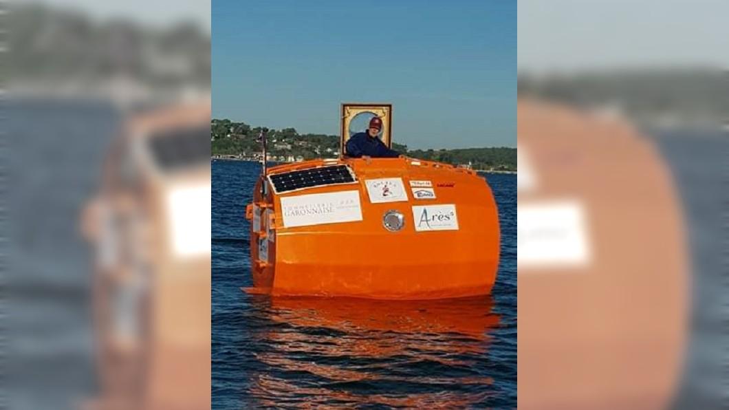 圖/翻攝自Jean-Jacques Savin臉書 法72歲翁海上漂流4個月 成功乘木桶橫越大西洋