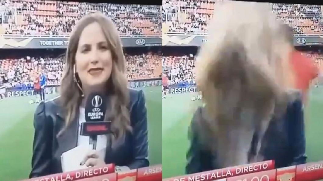 圖/翻攝自「@mrjakehumphrey」推特 球員漏接…主播後腦被足球「爆擊」 直播秒中斷