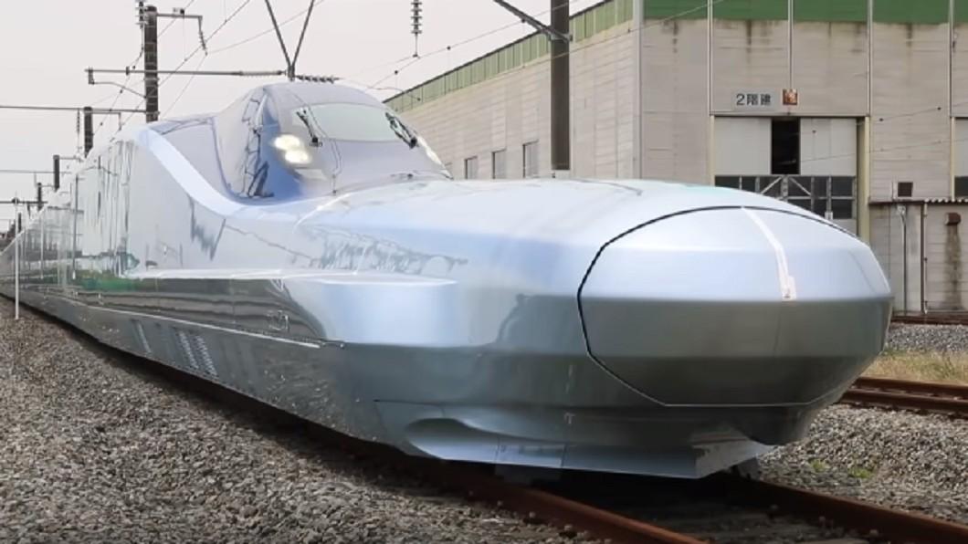 圖/翻攝自 KyodoNews YouTube 車頭超長降阻加速 新幹線「ALFA-X」亮相