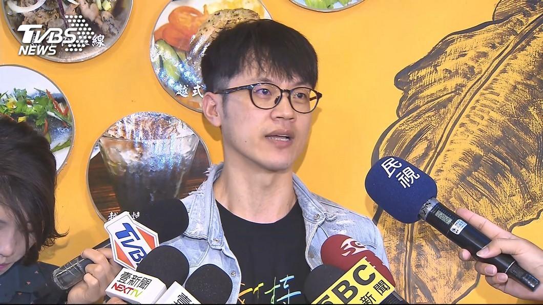 圖/TVBS 廢了「焦糖哥哥」!陳嘉行現身智財局 自曝取名由來