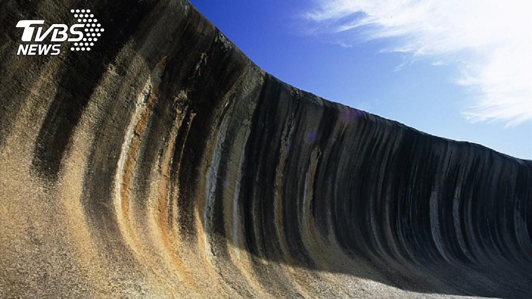 世界上最神秘「海浪」,屹立不搖27億年。圖/達志影像TPG 世界八大奇景!最神秘「海浪」 屹立不搖27億年