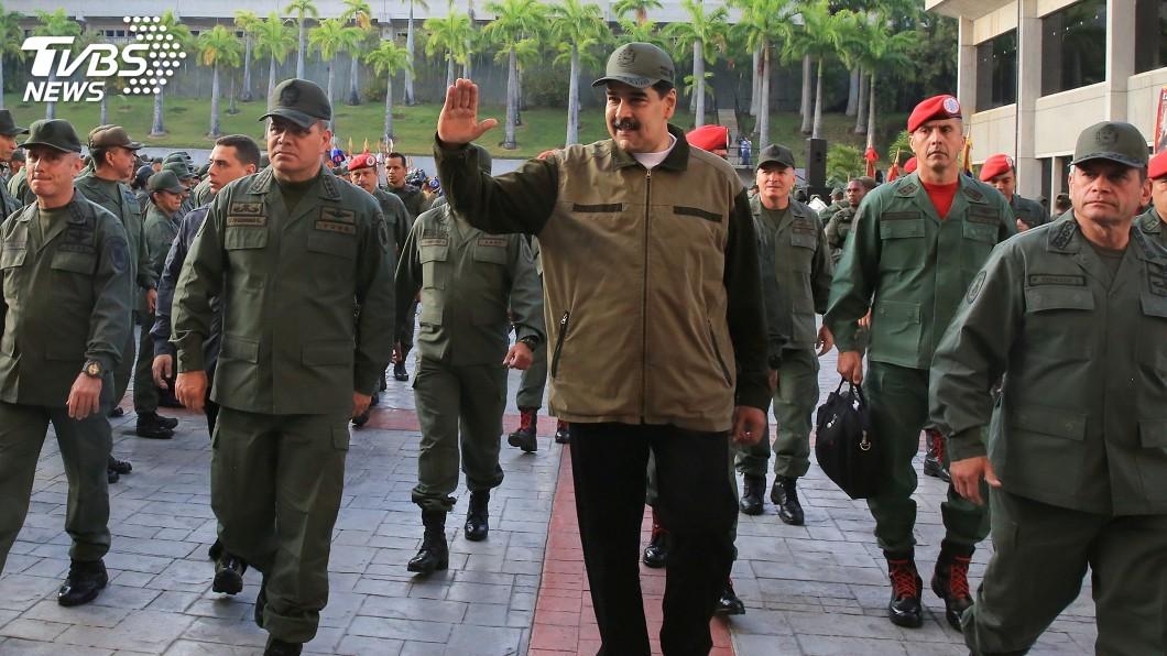 圖/達志影像路透社 馬杜洛遇動盪仍不倒 因軍方和俄羅斯三國力挺