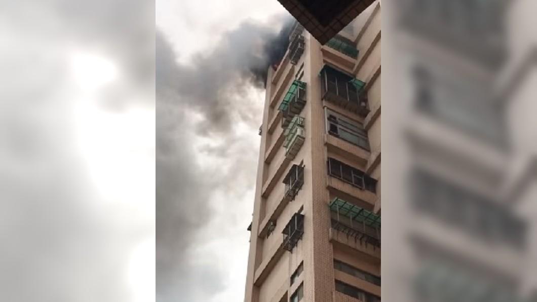 圖/翻攝自臉書社團「細說淡水」 女屋主說有人入侵竟燒了房子 網友卻曝1414恐怖巧合