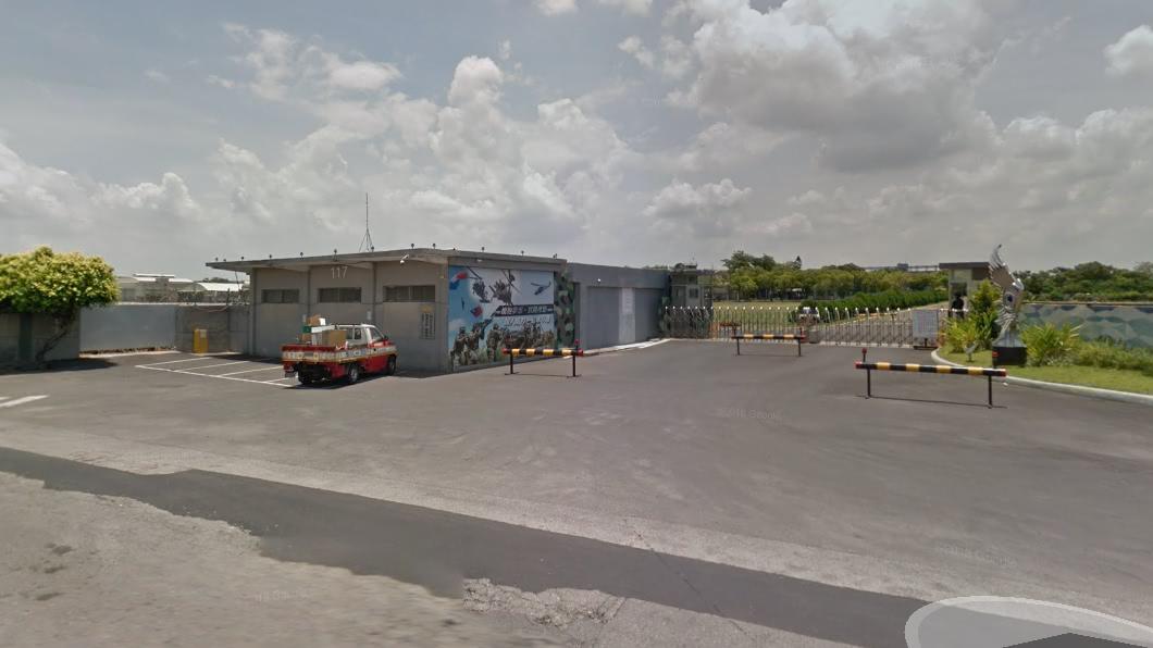 陸軍航空特戰指揮部飛訓部。圖/谷歌地圖 收假2天仍不見人 23歲航特女上兵離奇陳屍橋下