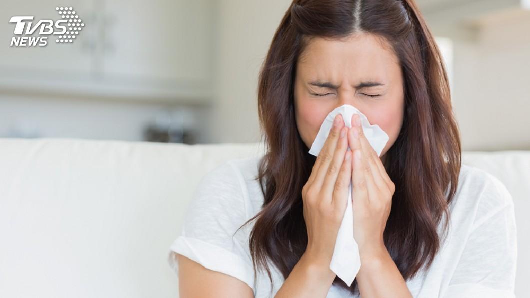 一名女子婚後3年遲遲未見懷孕,就醫檢查竟是和鼻涕倒流有很大關係。(示意圖/TVBS) 婚後3年都不孕…女去檢查找出元凶 「鼻涕倒流」害的