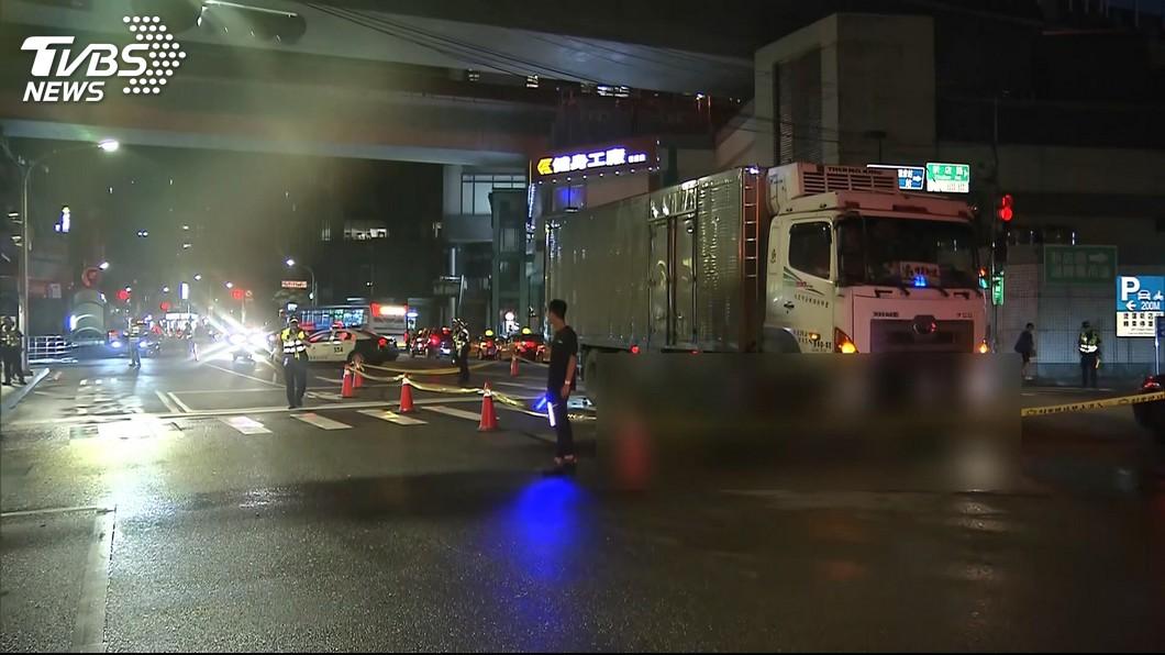圖/TVBS 婦過馬路遭輾斃 駕駛稱綠燈起步後撞上