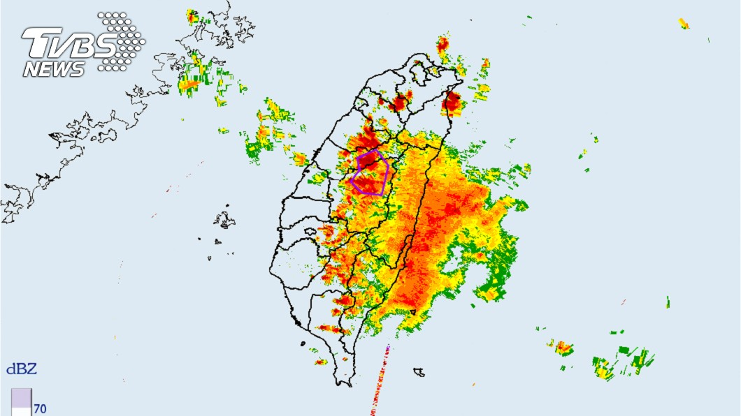 中央氣象局108年05月18日12時32分發布:氣象局大雷雨訊地區為(圖/截自中央氣象局)