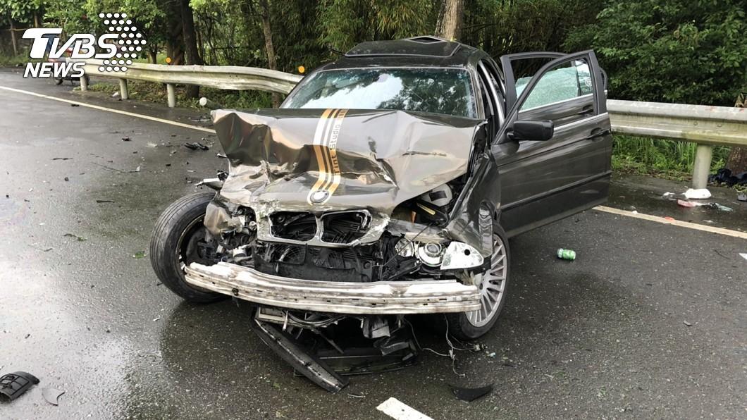 圖/TVBS 台3線酒駕5人傷!機車遭撞落邊坡 騎士無生命跡象