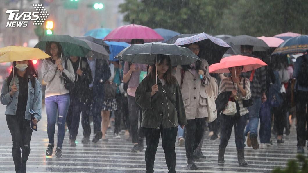 圖/中央社 28萬次閃電+暴雨炸!下週鋒面又來…真梅雨恐在後頭