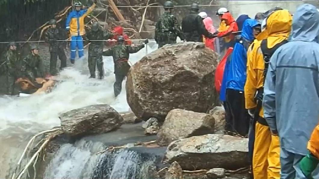 圖/轉攝自abcasahi YouTube 「差點以為要死了!」 屋久島登山客驚險脫困