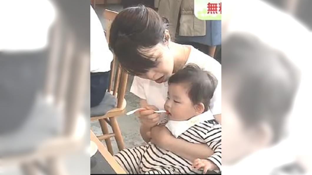 圖/翻攝自NHK推特 免費一樣用心 寶寶副食品吸引媽媽們排隊用餐