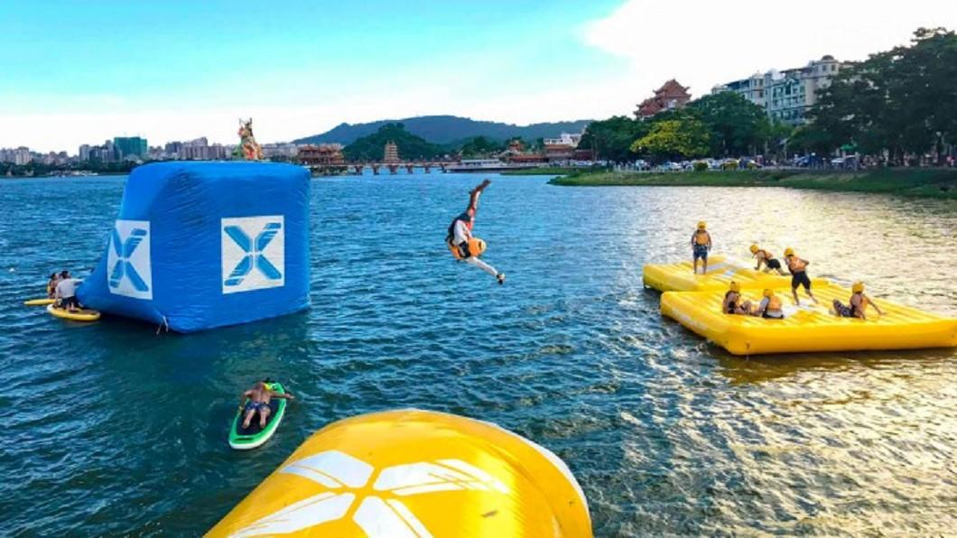 夏日熱搜水上活動-高雄蓮池湖水上活動。(圖/Tripbaa趣吧!達人帶路)