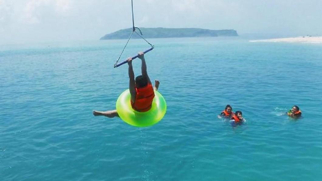 夏日熱搜水上活動-澎湖東海跳島玩法。(圖/Tripbaa趣吧!亞洲自由行專家)