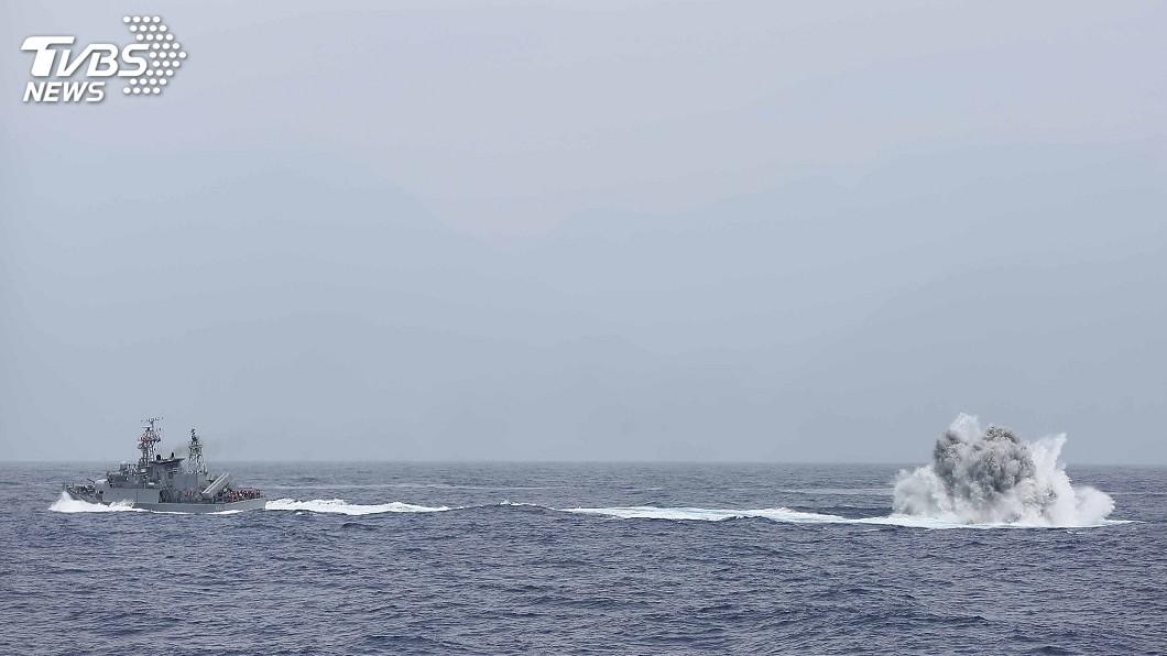 圖/中央社 22機22艦東部海域實彈射擊 近年最大海上操演