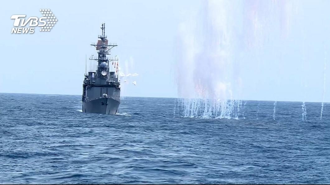 圖/TVBS 模擬共軍侵襲! 反潛火箭追擊敵潛艦