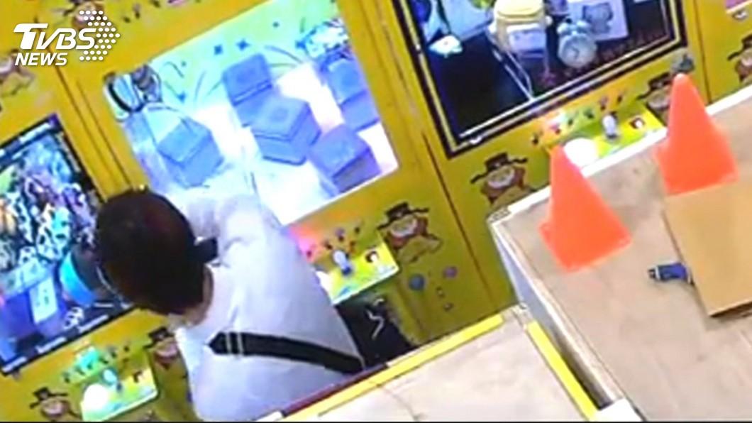 圖/TVBS 你要買我才偷!賊先問銷贓 60秒竊6千元3C