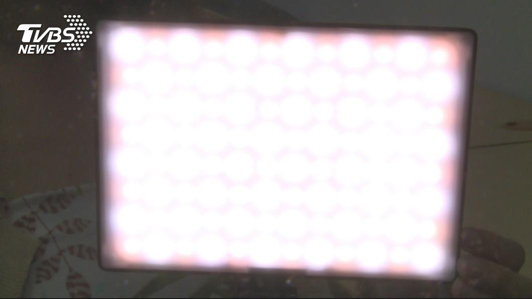 京都同仁堂 直播時愛美打強光 小心得「網紅白內障」