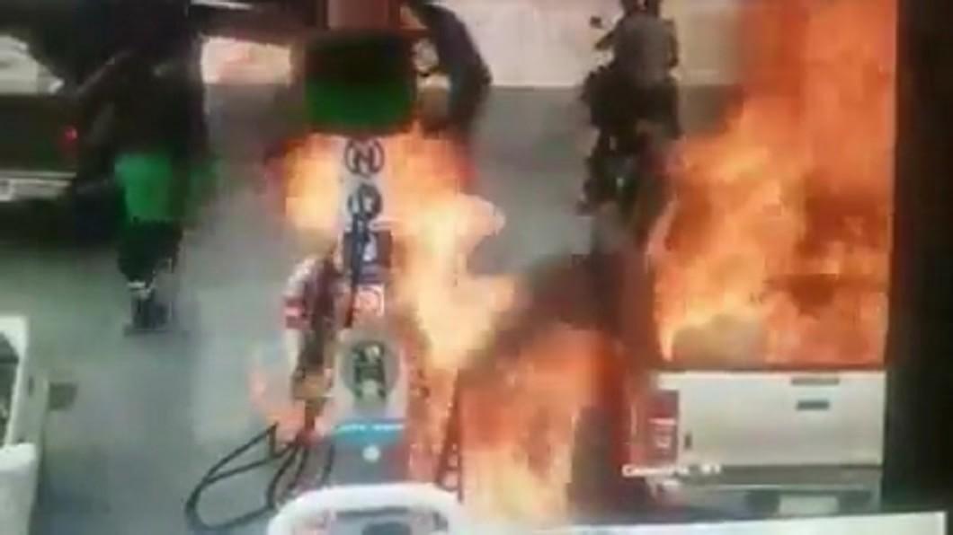 圖/翻攝臉書 身上有靜電!7歲童陪爸加油 「瞬間爆燃」引火焚身