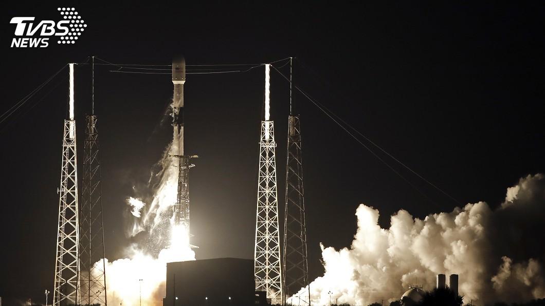 圖/達志影像美聯社 SpaceX送60枚衛星上太空 為衛星網路布局