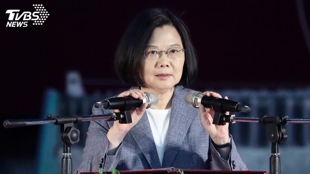 圖/中央社 「給錢就是爸媽」引論戰 蔡:台灣民主絕不是金錢可收買