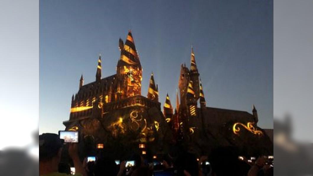 圖/翻攝自二宮泡芙微博 哈利波特5周年樂園升級 迪士尼蓋冰雪奇緣區