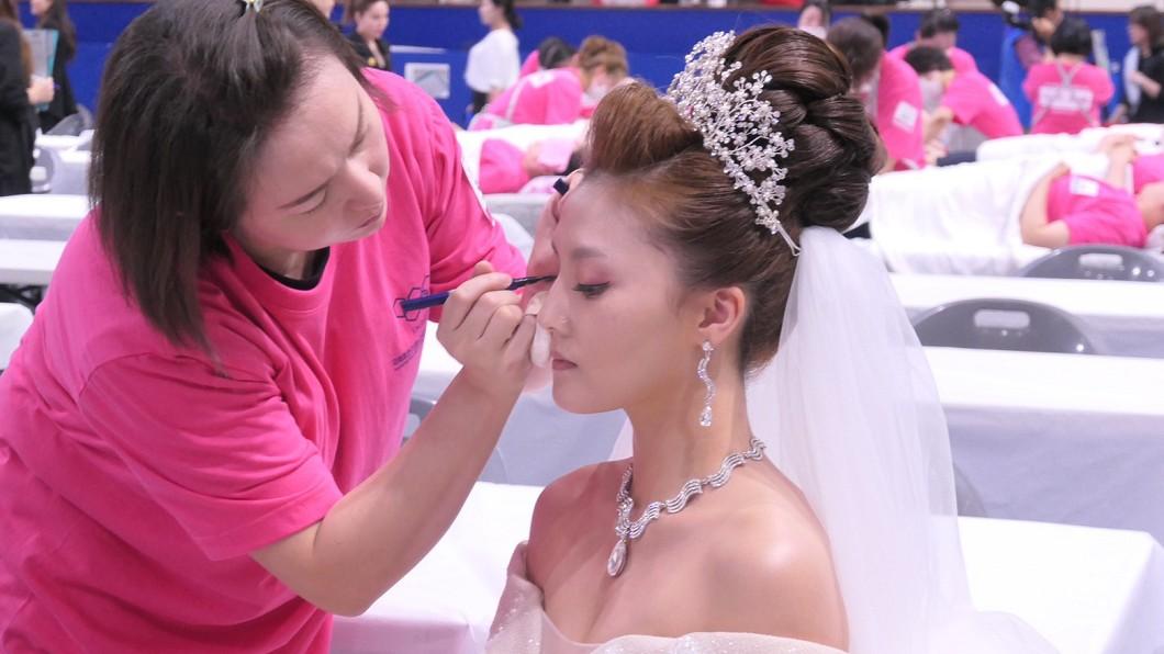 葉璨綿韓國首爾參賽,結婚化妝項目奪金。