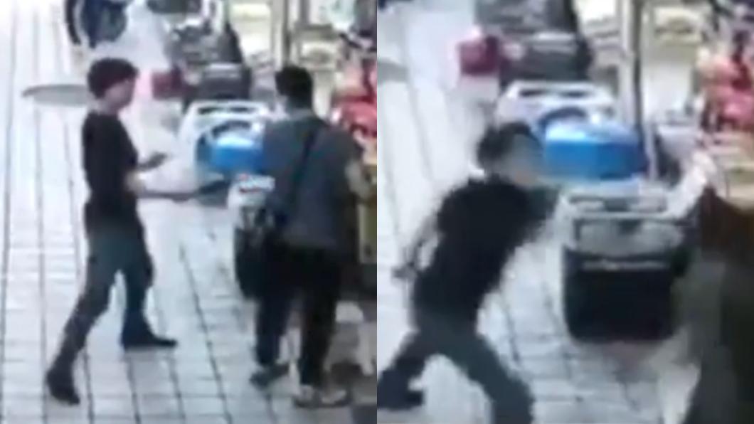 圖/翻攝自微博 男持殺豬刀市場狂砍8人 目擊者嚇壞:他邊跑邊砍…