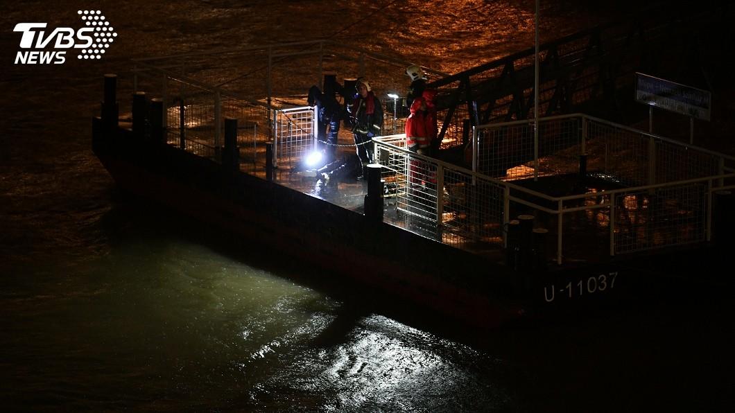 圖/達志影像美聯社 匈牙利多瑙河觀光船翻覆 33人南韓團至少7死