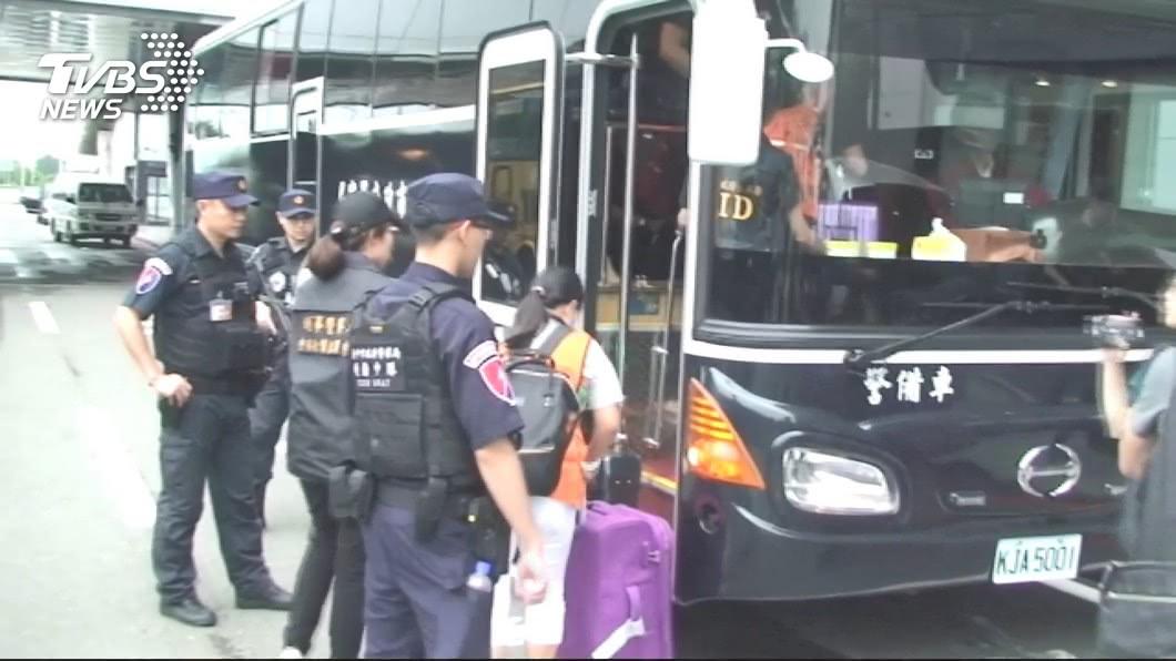 圖/TVBS 赴泰國設機房詐騙中國民眾 警方帶回25人偵辦