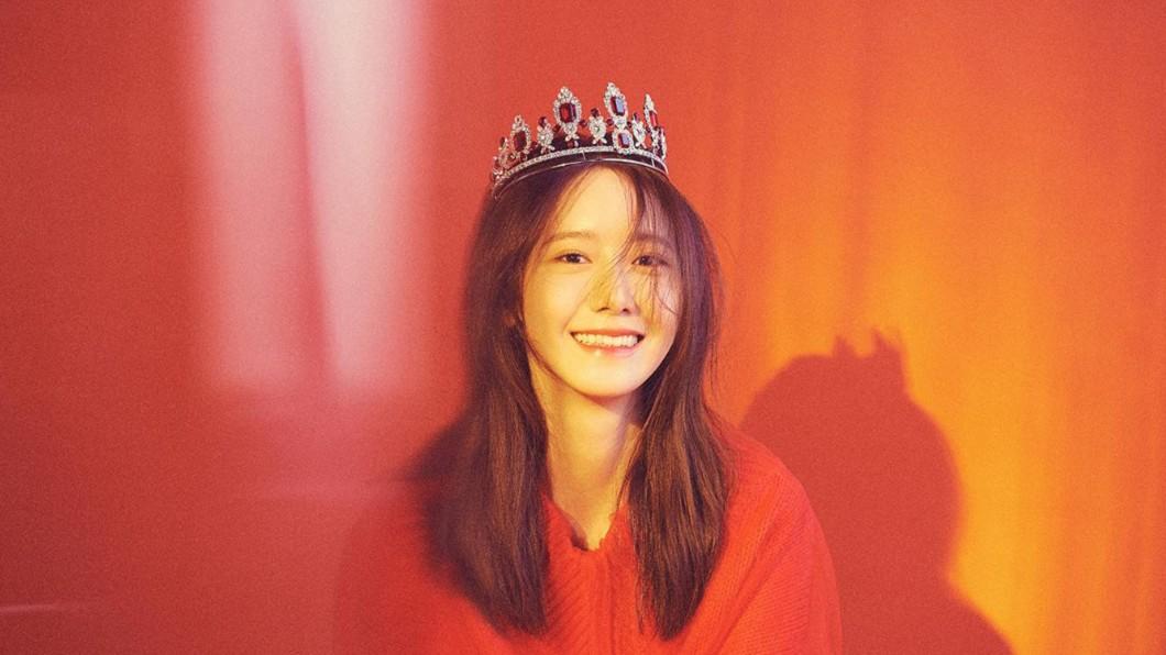 潤娥帶著小皇冠笑容甜到心裡/截自소녀시대(Girls' Generation)粉專