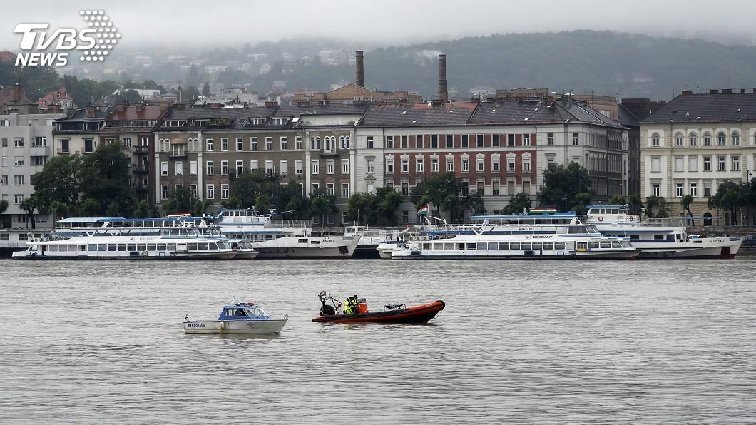 圖/達志影像美聯社 多瑙河遊河船翻覆沉沒 南韓遊客至少7死